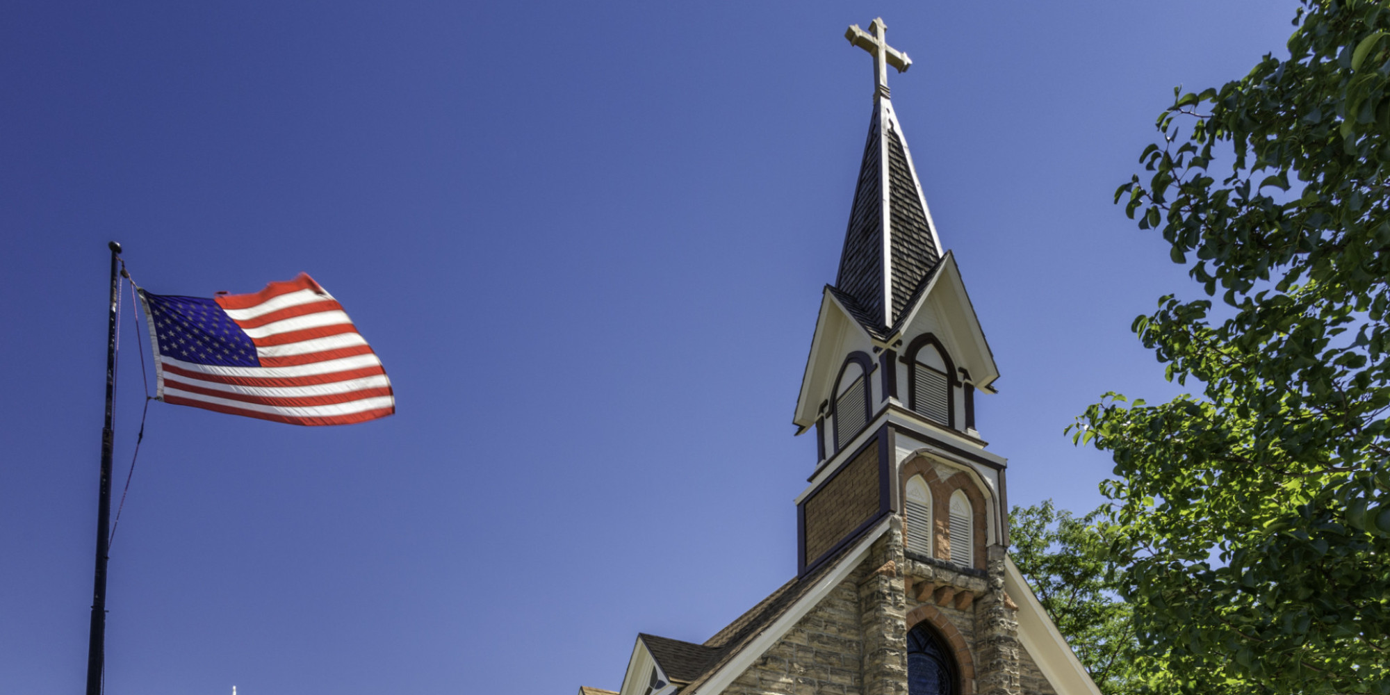 o-AMERICAN-FLAG-CHURCH-facebook - Faith Lutheran Church